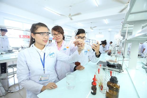 Ngành Cao đẳng Dược HCM mang lại nhiều cơ hội việc làm hấp dẫn