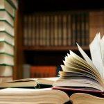 Lợi ích của việc đọc sách bằng tiếng Anh là gì?