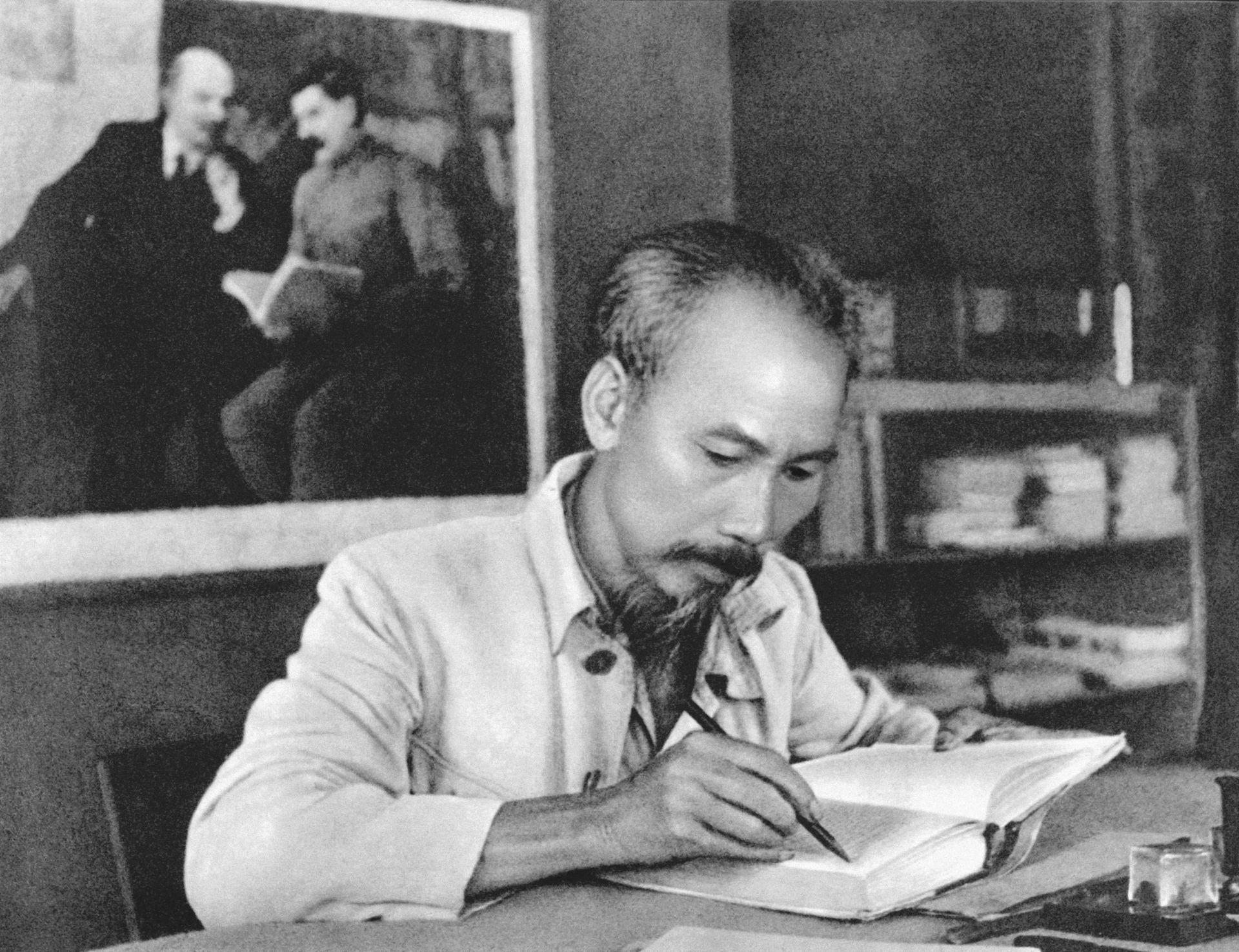 Chuyen-ngan-ve-dao-duc-Ho-Chi-Minh